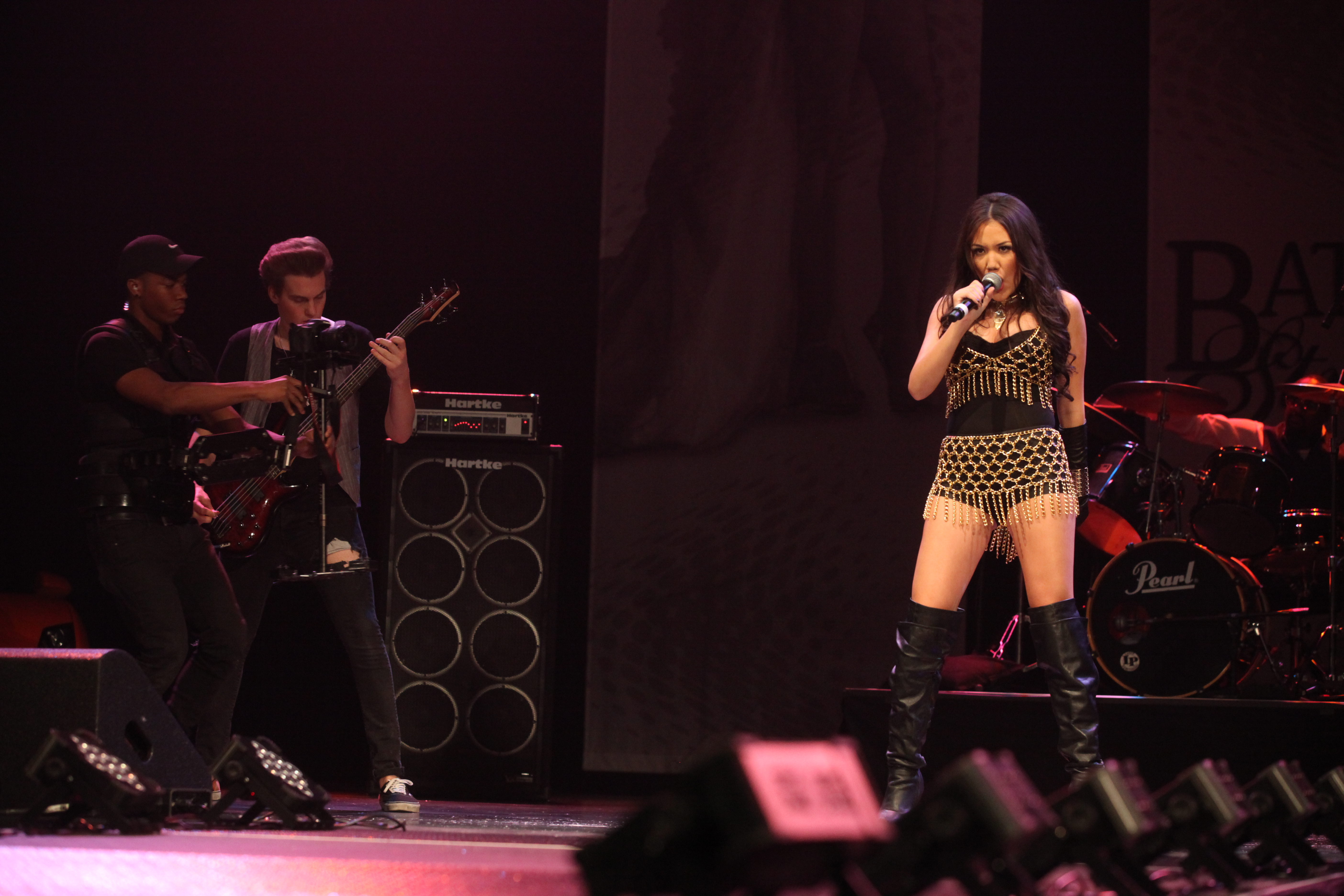 Manika Performing At Palms Pearl Concert Theater on Battle of the Strands TV Show Finale Pics!